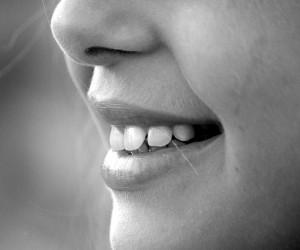 ฝันว่าฟันหัก ฟันหลุด ผลคำทำนายฝัน