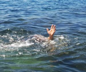 ฝันว่าจมน้ำ ฝันเห็นตัวเองจมน้ำ ผลคำทำนายฝัน