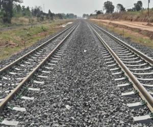 ฝันเห็นรางรถไฟ ฝันว่าเดินบนรางรถไฟ ผลคำทำนายฝัน