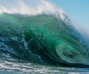 ฝันเห็นคลื่นทะเล ฝันเห็นคลื่นทะเลแรงมาก ผลคำทำนายฝัน